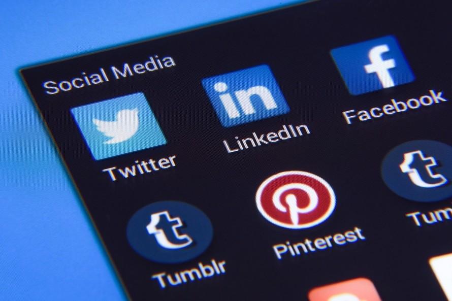 4大ソーシャルメディア ブログ Facebook Twitter LINE@
